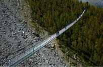 Reuters Video: World's longest suspension bridge opens in Switzerland