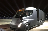 Bloomberg Video: Tesla to unveil first all-electric heavy-duty truck
