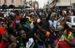 Reuters Video: Zimbabweans celebrate Mugabe expected downfall