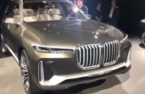 Reuters Video: SUVs shine at LA auto show