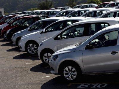 General Motors sets 2035 goal for eliminating emissions from most cars