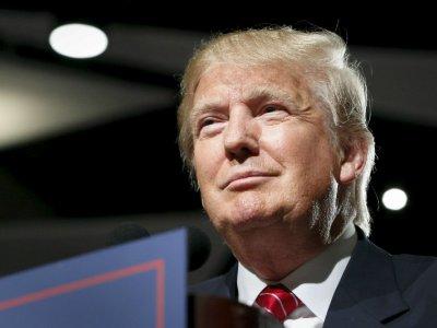Shares in Trump-linked media venture surge again
