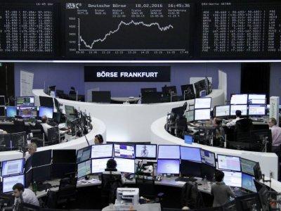 European stocks hit record highs as earnings help dispel early gloom