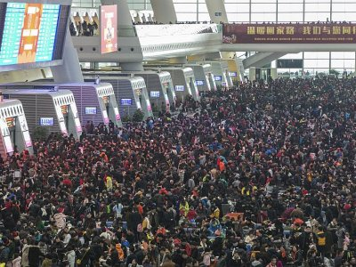 Thousands stranded in China