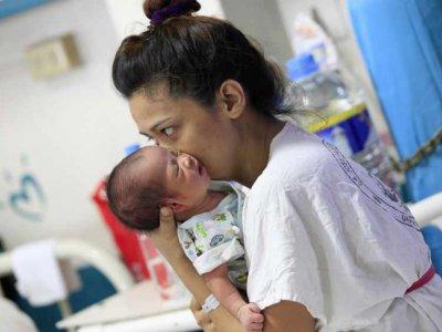 新加坡确诊孕妇康复后       产下带新冠病毒抗体男婴