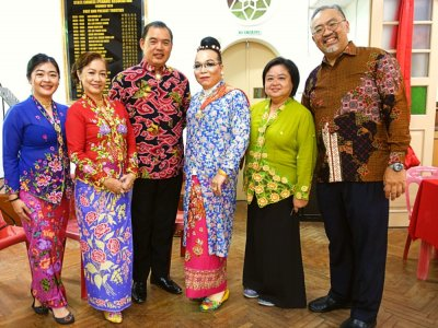 MCO 2.0: With no Chap Goh Meh parade this year, Penang Baba Nyonya family celebrate with pengat and traditional dishes