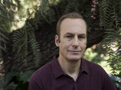 Bob Odenkirk says on the mend after 'small heart attack'