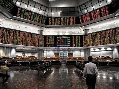 Public Bank lifts Bursa Malaysia in early trade