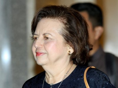 Report: Singapore cops told Bank Negara about questionable RM66m cashflows from Jho Low's accounts to firm owned by Zeti's husband and son