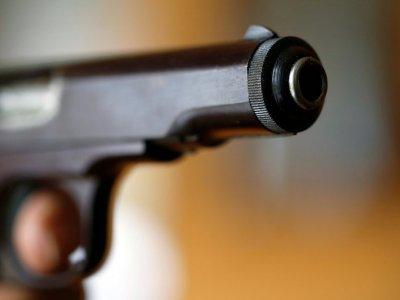为戴口罩起争执      美国超市顾客枪杀收银员