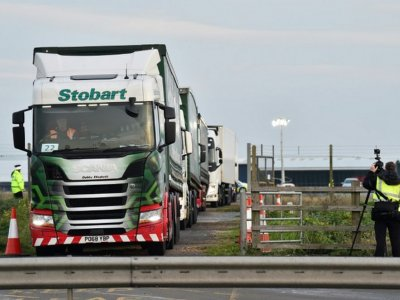 Gridlock: UK warns industry to prepare for Brexit or face chaos