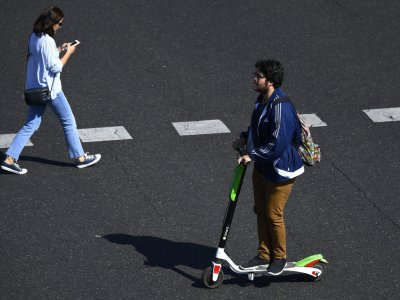 E-scooters take off in Covid-hit London despite legal obstacles