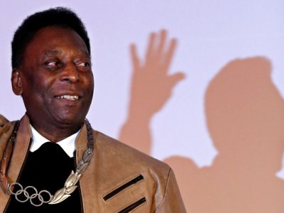 Pele gets Covid vaccine, hails 'unforgettable' day