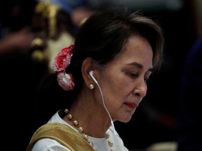 昂山淑姬涉及案件开审 缅甸法院听取证词