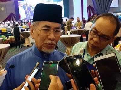 Minister tells Dayak entrepreneurs to grab business opportunities offered by Entrepreneur Development Ministry