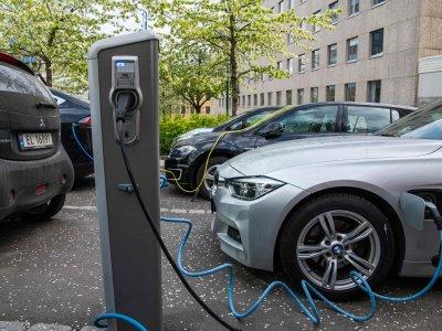 Countries eye electric car future