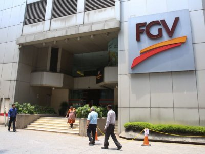 CGS-CIMB says in favour of accepting Felda's takeover offer for FGV shares