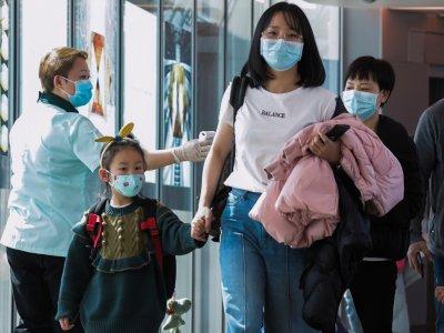 新加坡要求所有入境旅客      抵达时接受新冠病毒检测