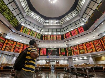 Bursa Malaysia remains mixed at midday