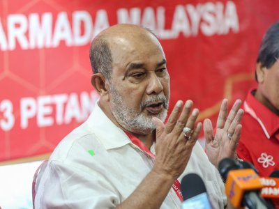 Former minister Syed Hamid says Malaysians will reject 'emergency' rule