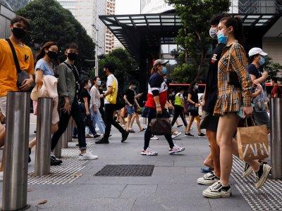 新加坡解封第二阶段     李显龙:勿庆祝过了头