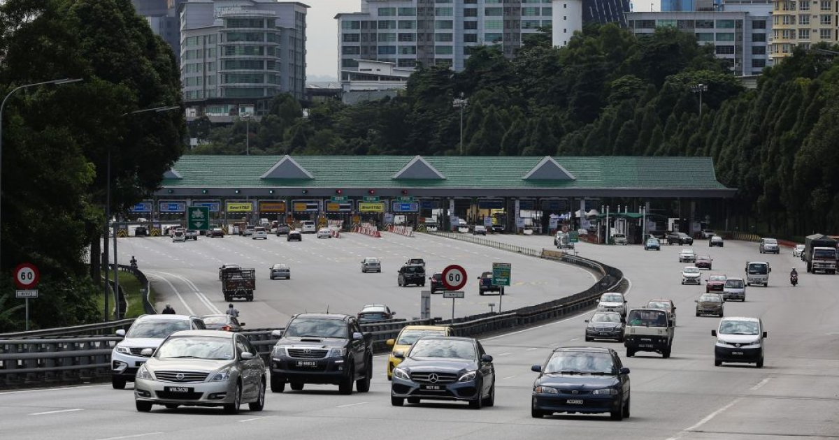 Toll operators' shares dip as govt delays toll rate hike