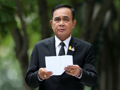 Thai Cabinet agrees special parliament session amid protests