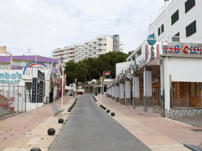 Covid-19 travel restrictions ravaged Spain hotel bookings in August