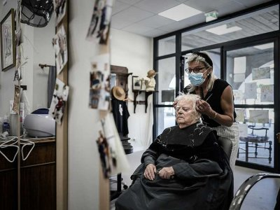 Freedom, dignity in French Alzheimer's 'village'