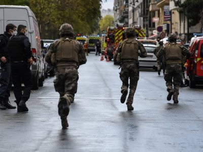 2 stabbed near Charlie Hebdo's former offices in Paris