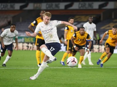 Man City off to winning start with victory at Wolves