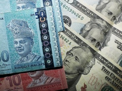 Ringgit retreats at opening but to remain steady against US dollar
