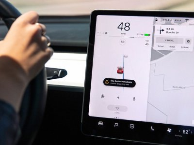 Teslas move one step closer to full self-driving