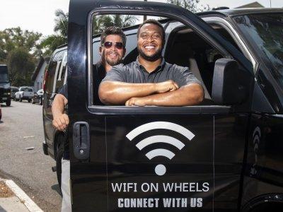 In California, Wi-fi minivans help disadvantaged students
