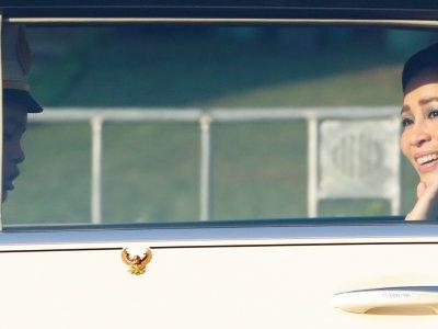 泰国王室车队遭民众抗议     两人被控企图伤害王后