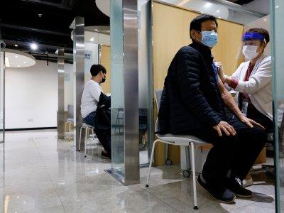 59人接种流感疫苗死     韩国仍开放62岁以上免费打
