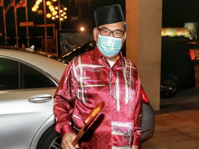 Umno supreme council members begin meeting, rumoured to discuss DPM candidate