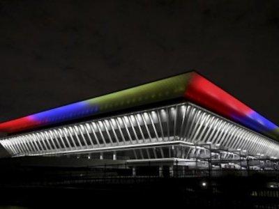 Tokyo opens 15,000 seat Olympic aquatics centre