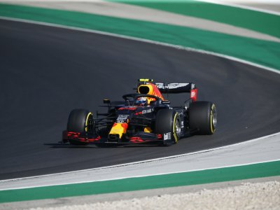 Albon needs to secure his Red Bull seat, says Horner