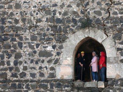 Syrians spruce up famed Crusader castle after years of war
