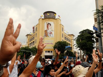 Thai king's praise for defiant loyalist draws controversy