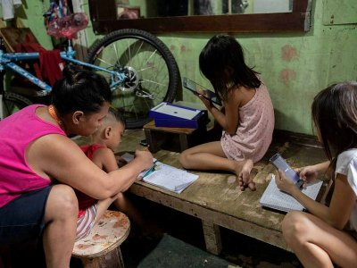 Philippines orders children back indoors amid fears of Covid-19 surge
