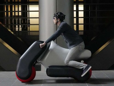 Inflatable scooter looks to the future of mobility (VIDEO)