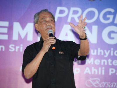 Muhyiddin: Helping those affected by Covid-19 my priority, not politics