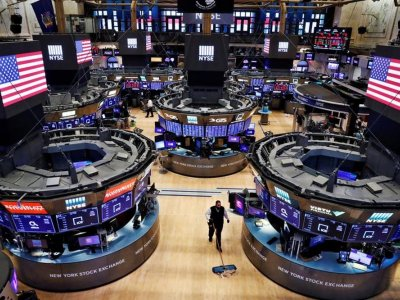 US stocks end higher in 'buy the dip' session
