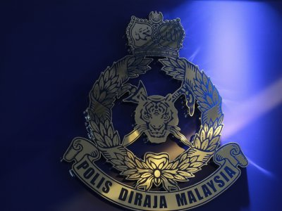 Man dies, lorry driver seriously hurt in Nilai accident