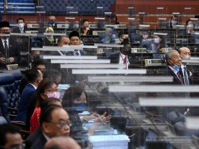 Opposition MPs demand action against Bersatu MP over phantom vote