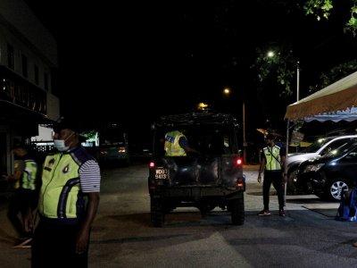 EMCO: Controls tightened at zone A Taman Klebang Jaya, Taman Pinji Mewah in Perak