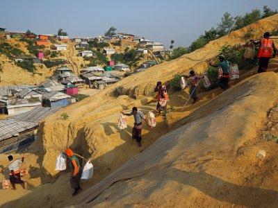 Rights groups urge Bangladesh not to ship Rohingya to island