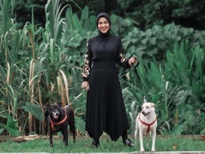 Actress Umie Aida asks people not to be cruel to stray animals, talks of relationship with dog, Blackie (VIDEO)